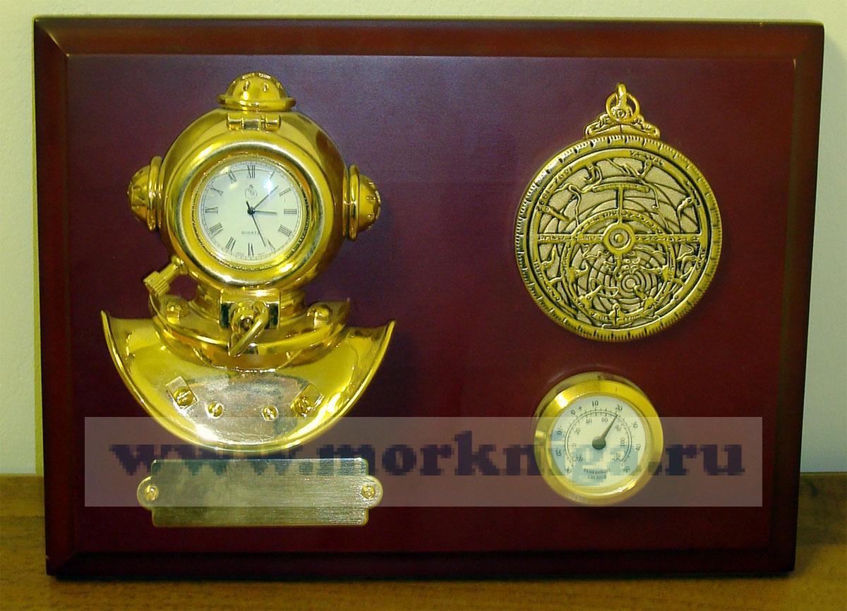 Коллаж Шлем водолаза: часы, термометр, астролябия