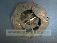 Солнечные часы с компасом.