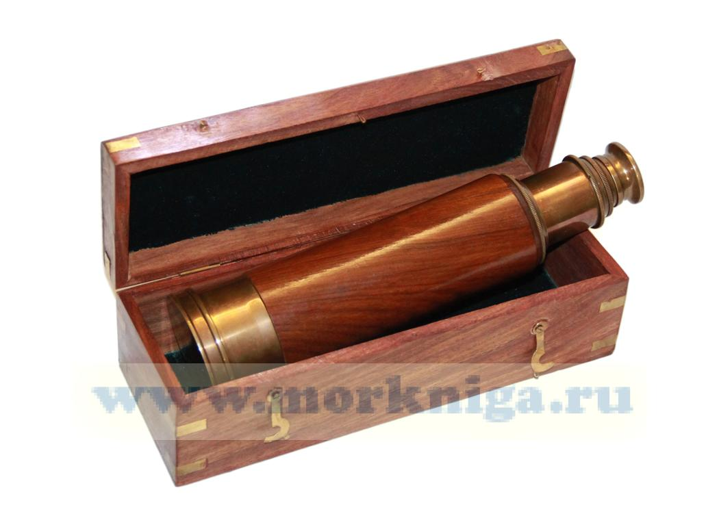 Подзорная труба в корпусе из красного дерева