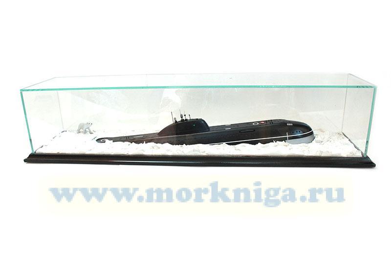Модель атомной подводной лодки проекта 671 РТМ во льдах