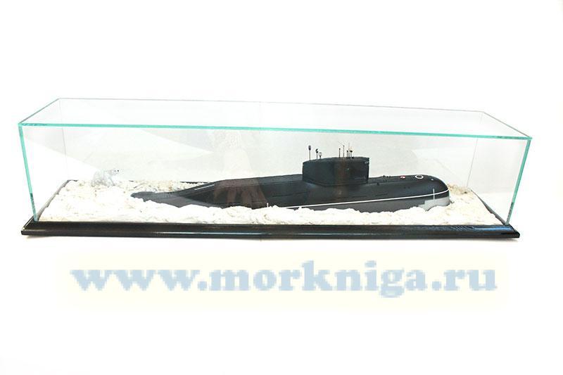 Модель атомной подводной лодки проекта 667 во льдах