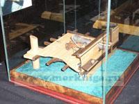 Макет фрагмента палубы марсельной шхуны с 12-фунтовой пушкой и фальконетом