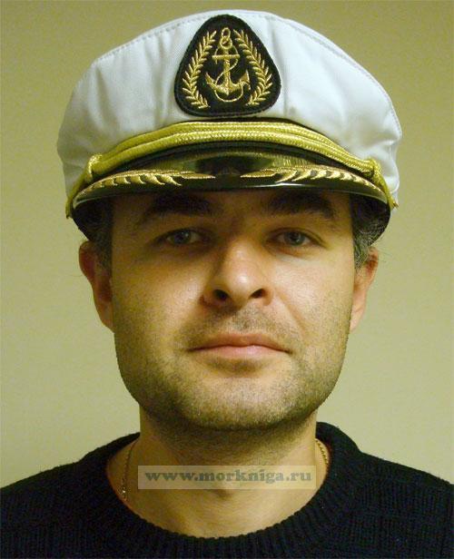 """Капитанка с шевроном """"Якорь"""" белая, пластиковый козырек с текстильным шнуром"""