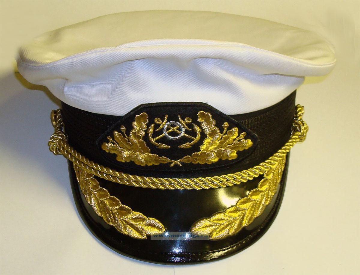 Фуражка яхтенного капитана с высокой тульей, козырек с дубами, белая. Размер 58.