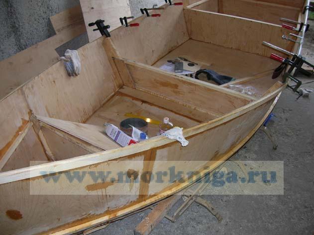 """Комплект чертежей и инструкций (на английском языке) для самостоятельной постройки моторной лодки """"Handy"""""""