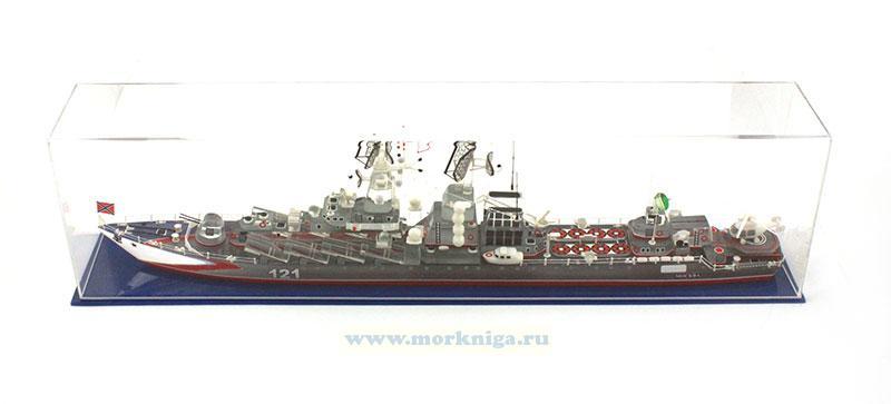 Модель ракетного крейсера