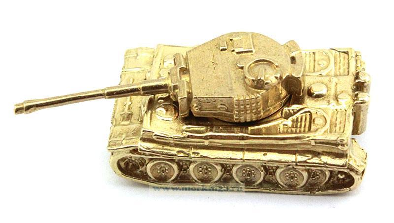 Модель танка из латуни (ВОВ иностранного производства)
