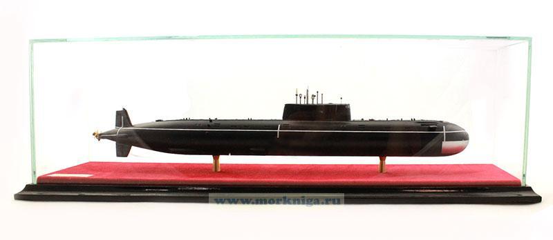 Модель атомной подводной лодки проекта 685