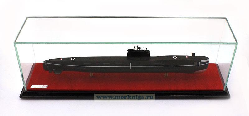 Модель подводной лодки проекта 641-Б
