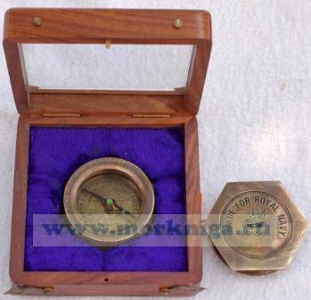 Компас Royal Navy шестигранный в деревянной шкатулке