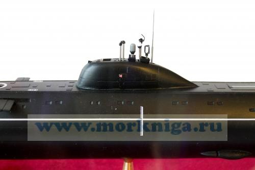 Модель атомной подводной лодки проекта 671РТ