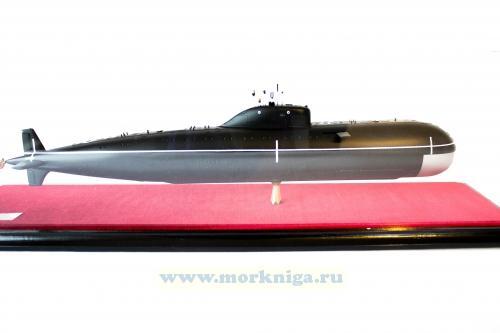 Модель атомной подводной лодки проекта 670