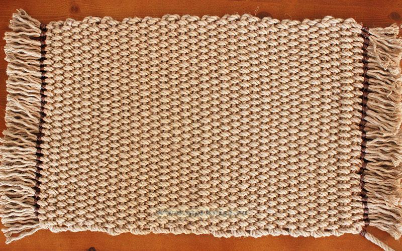 Мат плетеный с бахромой